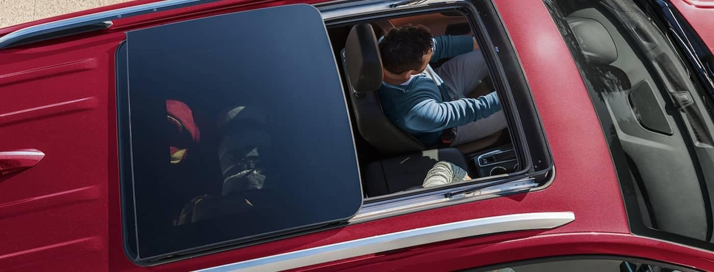 What S The Difference Between A Sunroof And A Moonroof Mercedes Benz Of Modesto