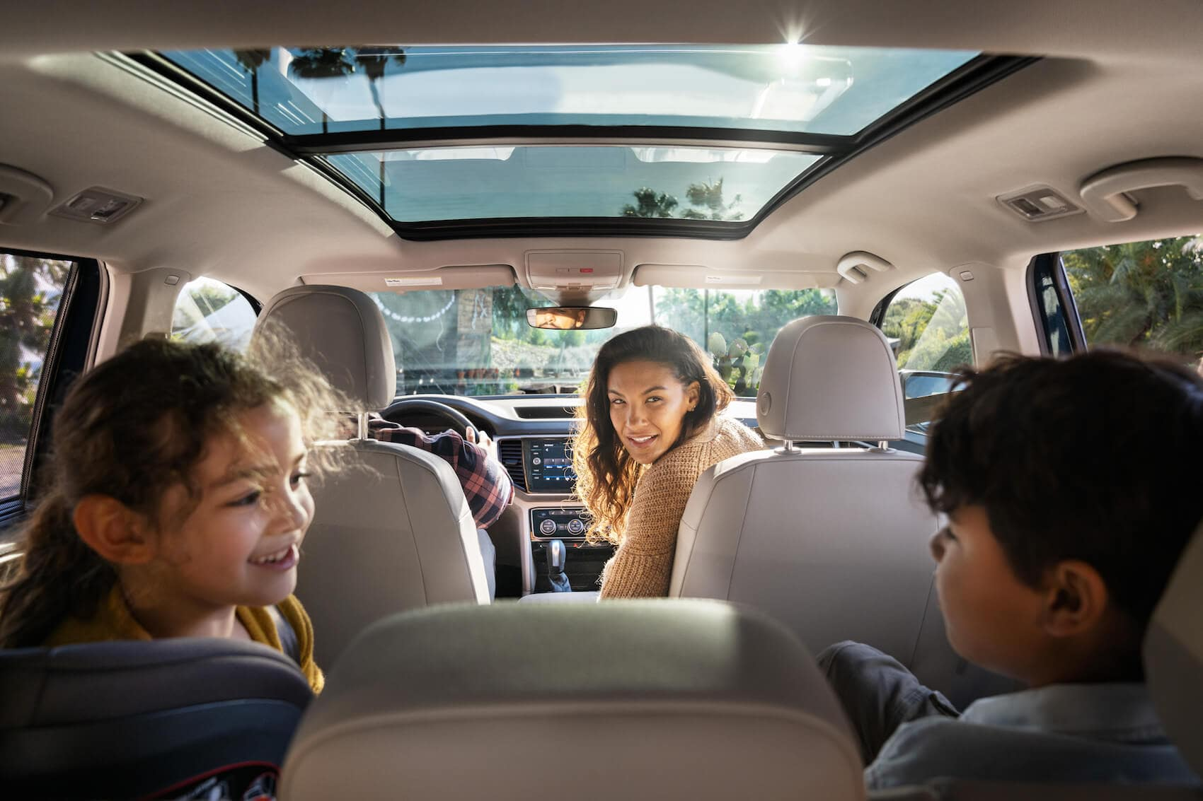 Volkswagen Atlas interior vs Honda Pilot Littleton, CO