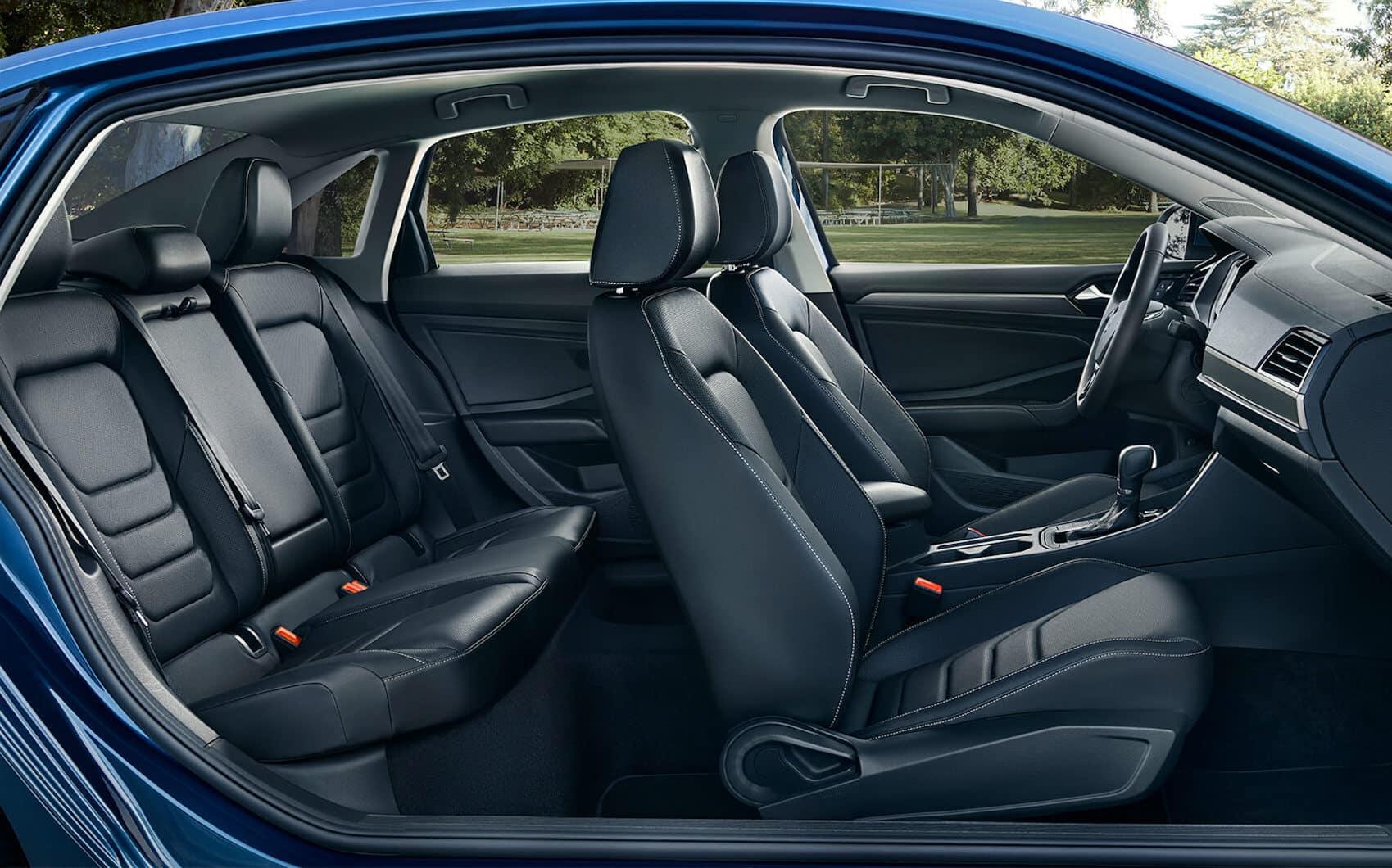 VW Jetta vs VW Passat: Interior