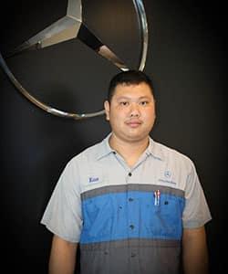 Xian Hu