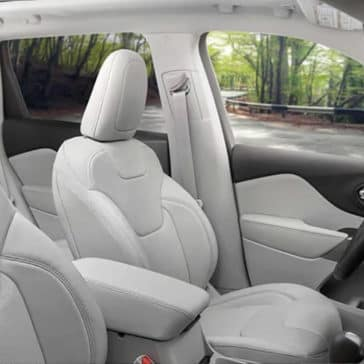 2019 Jeep Cherokee Interior front seating