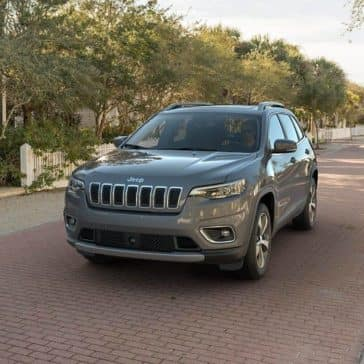 2019 Jeep Cherokee Limited city street