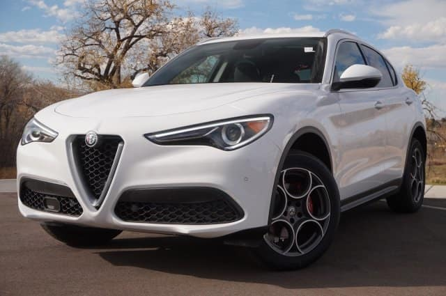 2018 Alfa Romeo Stelvio powerful performance