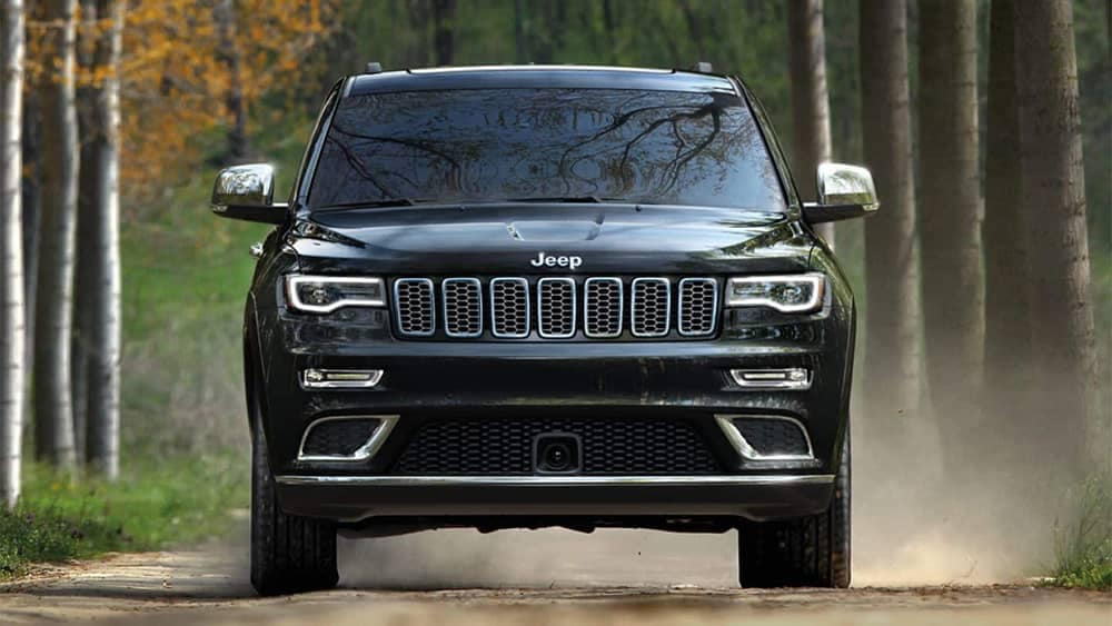 2019 Jeep Grand Cherokee exterior front angle