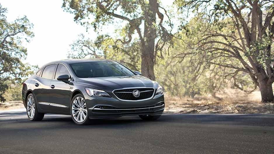 2017 Buick LaCrosse Exterior Gallery 2
