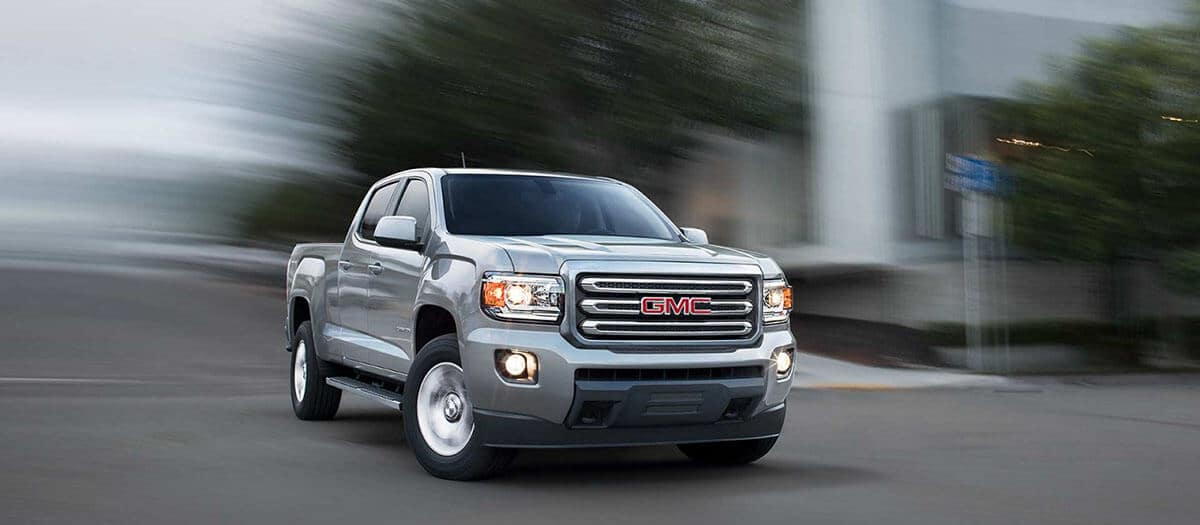 2018 GMC Canyon Driving