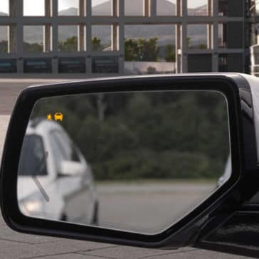2018 GMC Yukon rear-view mirror