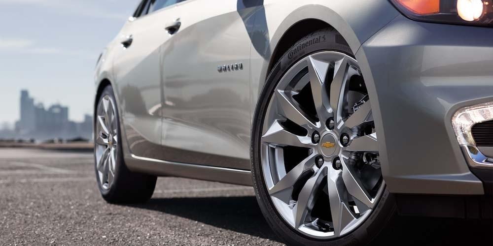 2018 Chevrolet Malibu Tire