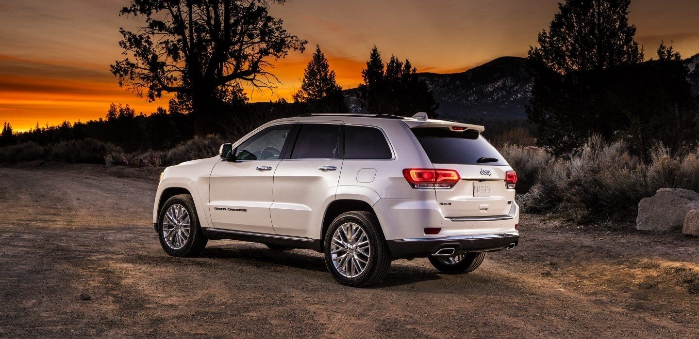 2017 Jeep Grand Cherokee white exterior