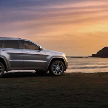 2018 Jeep Grand Cherokee side view