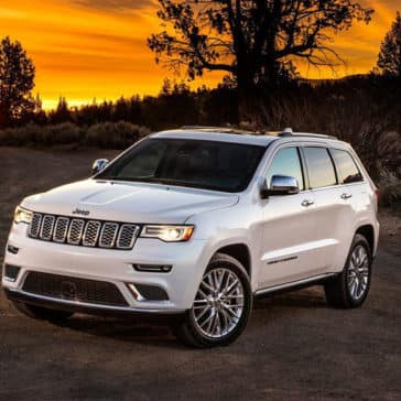 2018 Jeep Grand Cherokee white exterior