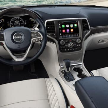 2018 Jeep Grand Cherokee front interior