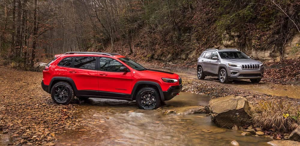 2019 Jeep Cherokee red exterior
