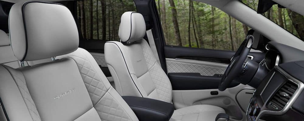 2020 Grand Cherokee front seats