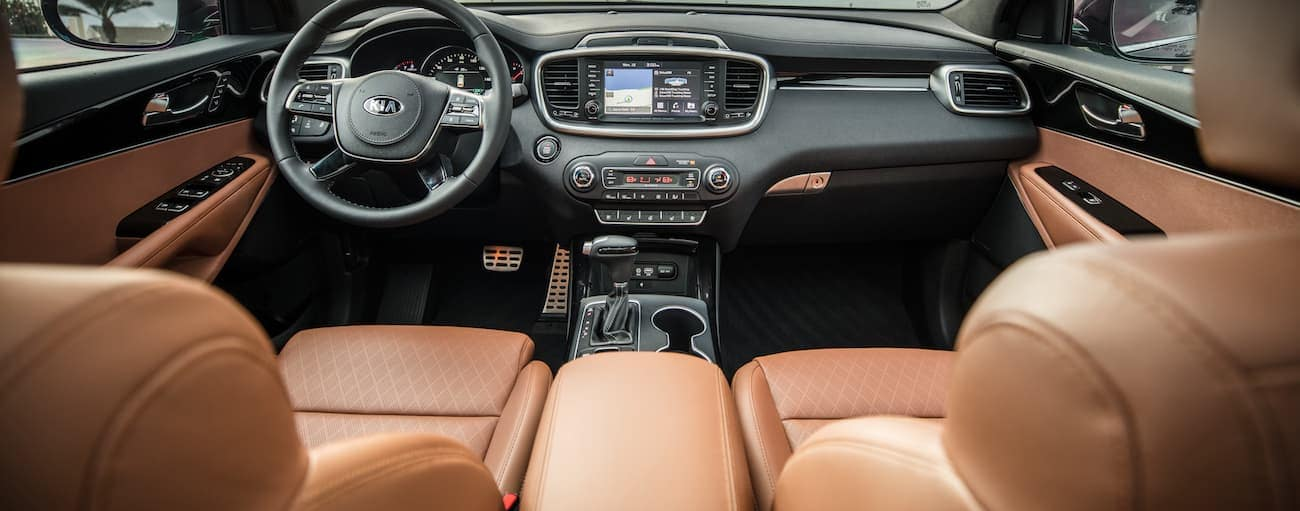A brown leather interior of a 2019 Kia Sorento