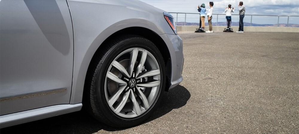 2017 Volkswagen Passat Wheel Detali