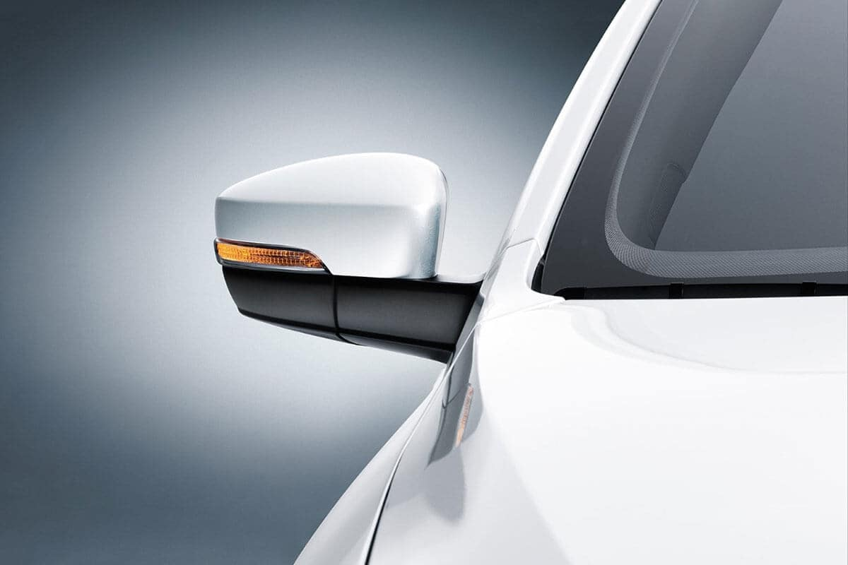 2018 Volkswagen Jetta side mirror closeup