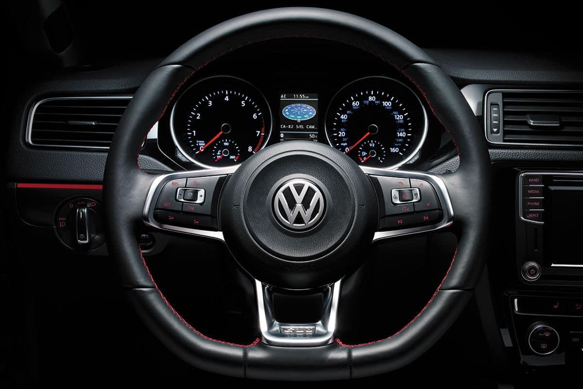 2018 Volkswagen Jetta steering wheel