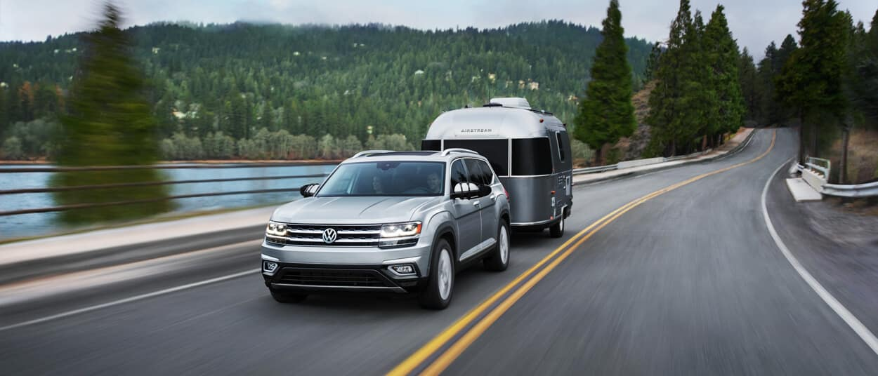 2018 Volkswagen Atlas towing a trailer