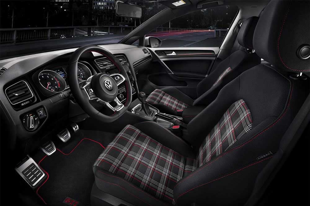 2018 Volkswagen Golf GTI Interior Seating and Dashboard