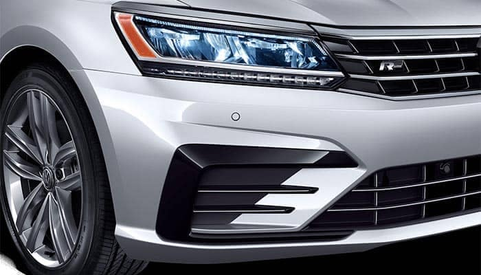 2018 Volkswagen Passat Close up of Headlights