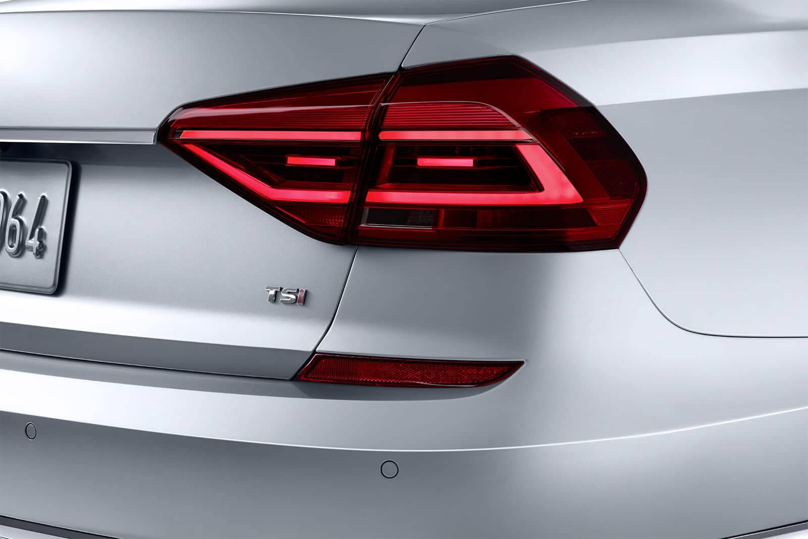 2019 Volkswagen Passat Tail Light