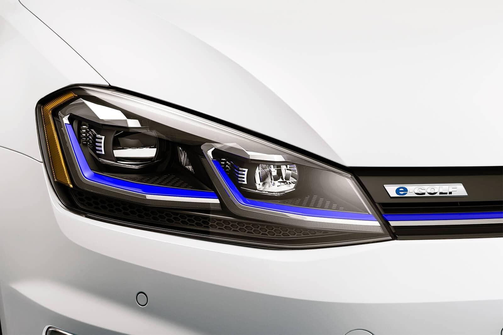 2019 Volkswagen e-Golf headlight