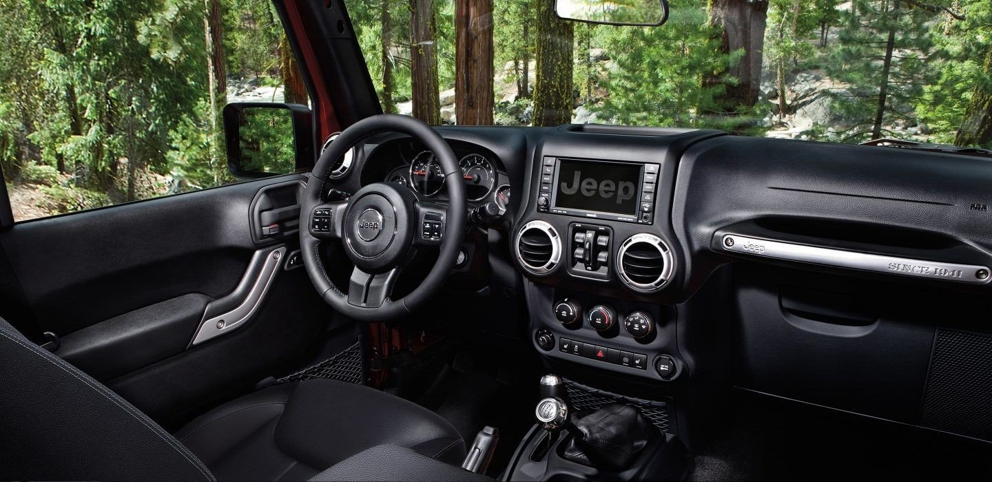 2017 Jeep Wrangler front interior features