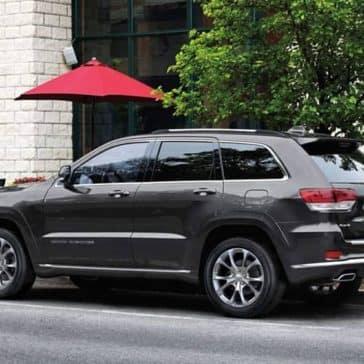 2019 Jeep Grand Cherokee side view