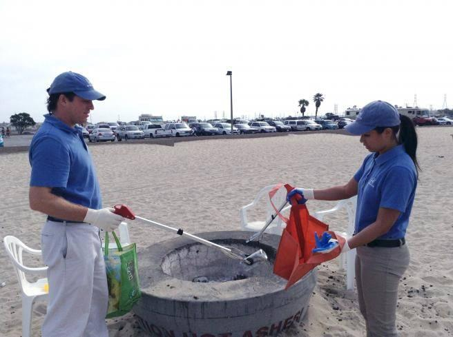 Helpful Honda Cleans Up KOST in Huntington Beach