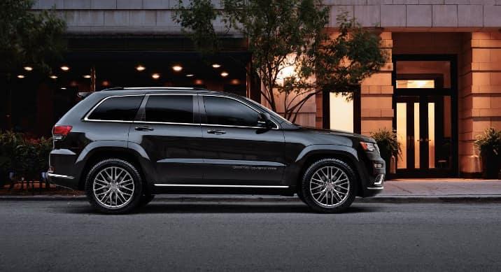 2018 Jeep Grand Cherokee Premium exterior