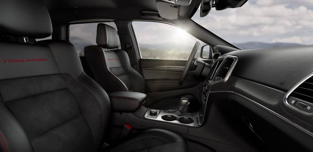 interior cabin of 2018 Jeep Grand Cherokee