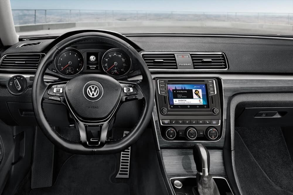 2018 Volkswagen Passat Interior Features