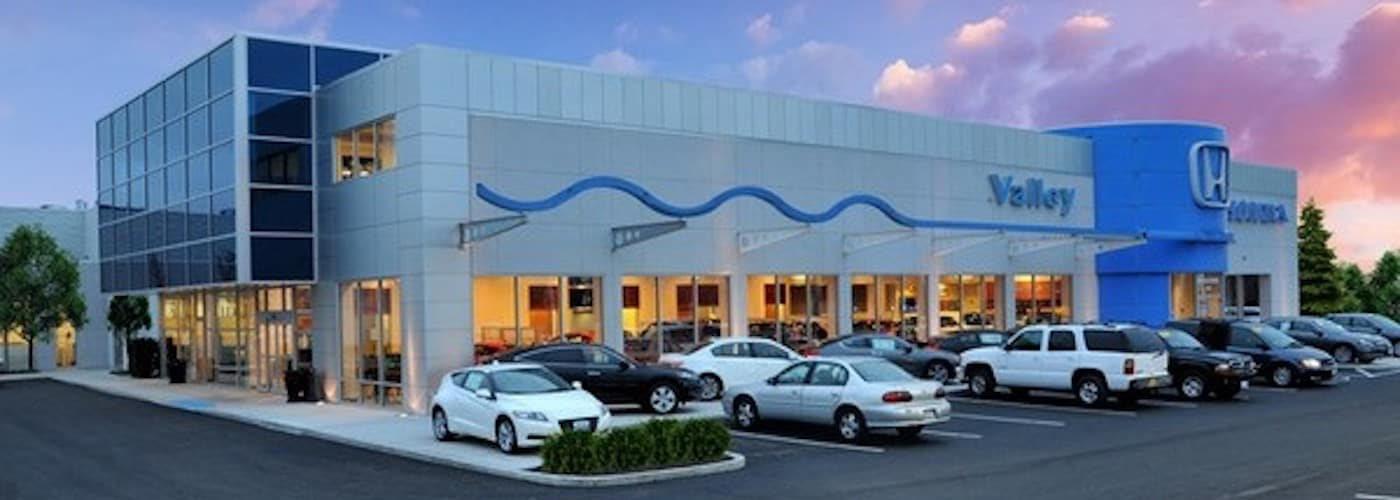 Valley Honda Dealership Exterior