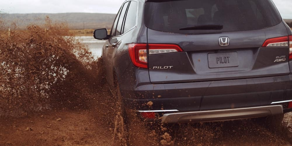 2020 Honda Pilot Driving Through Mud