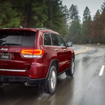 2019 Jeep Grand Cherokee driving in the rain