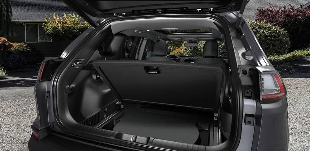hidden storage in tailgate of 2019 Jeep Cherokee