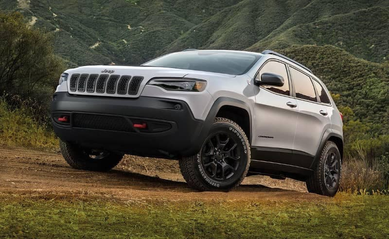 2019 Jeep Cherokee off roading