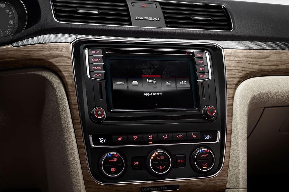 Volkswagen Passat Technology