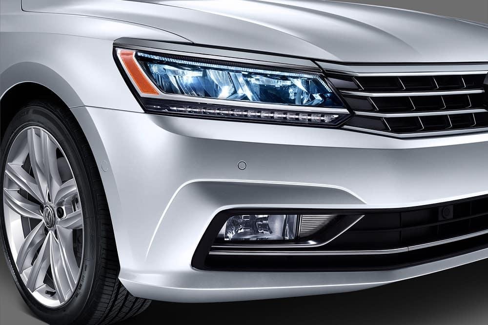 2018 Volkswagen Passat Headlights
