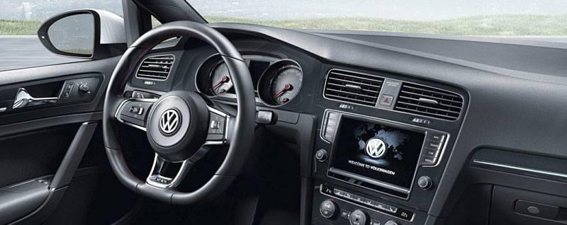 2017 Volkswagen Golf GTI Interior