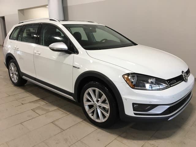 New 2017 Volkswagen Golf Alltrack TSI SE AWD