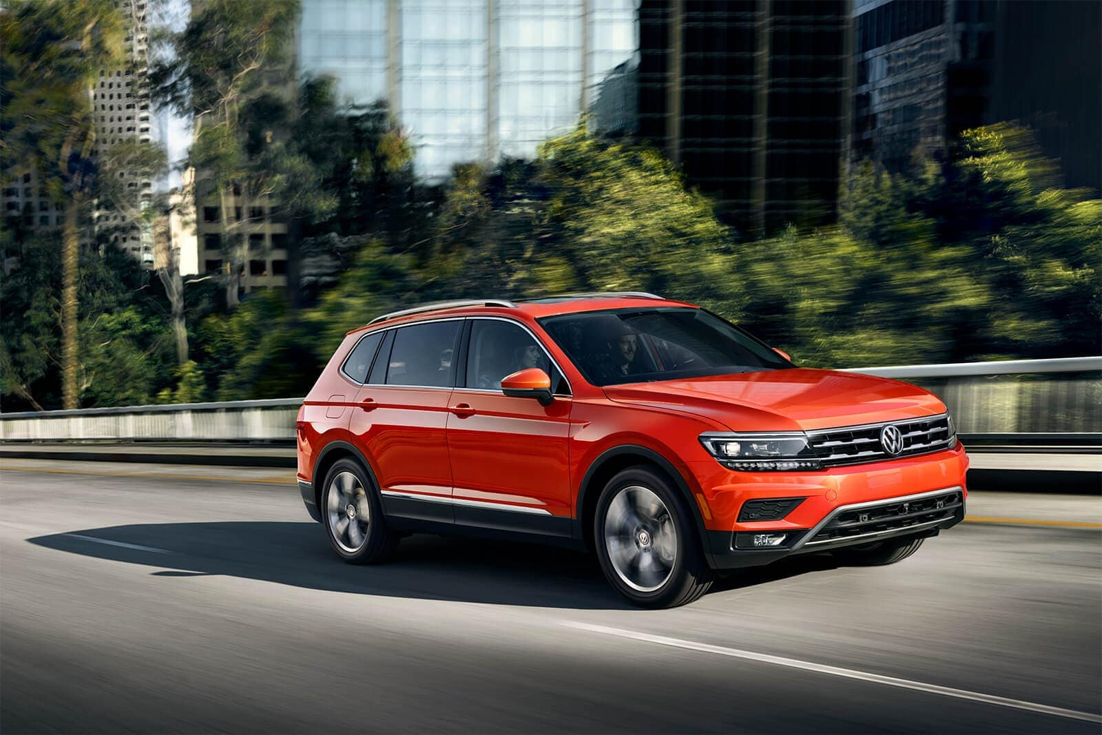 2019 Volkswagen Tiguan in Habanero Orange Metallic