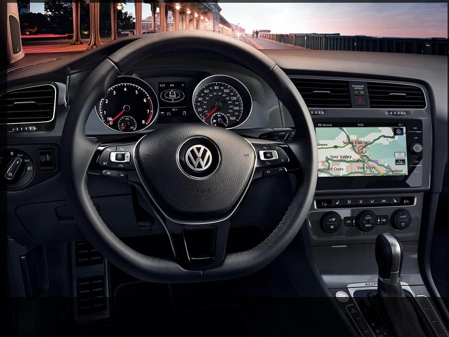 Volkswagen Golf Alltrack SEL gauges and headunit