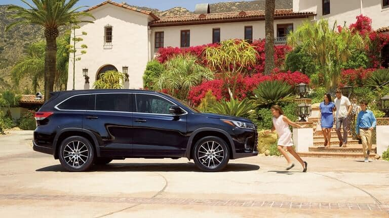 2018 Toyota Highlander Parked