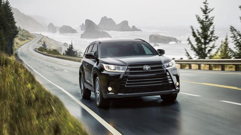 2018 Toyota Highlander Driving
